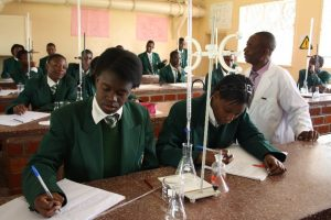 pupils-in-science-class