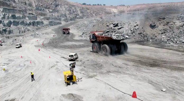Heavy Metal Machinery Open Pit Mining